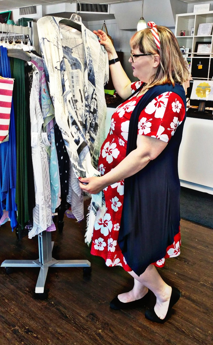 shopping at Love Thy Curves